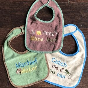 Set of 3 Infant Bibs w/ Velcro Closure